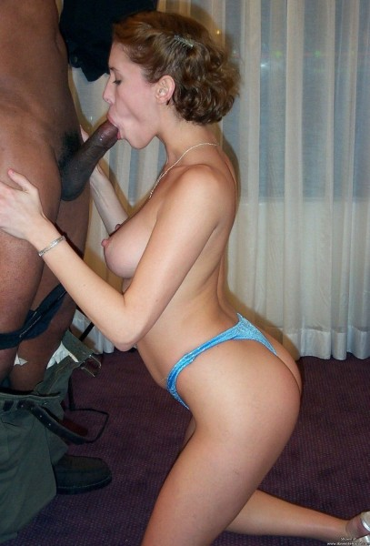 Amateur loves to suck hungry woman gets 10