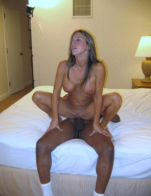 Horny Wife Cuckolds Hubby While Giving Head - Free