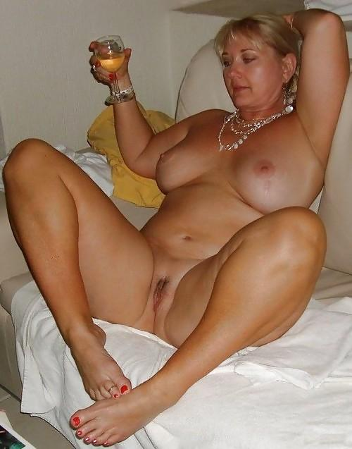 curvy amateur wife
