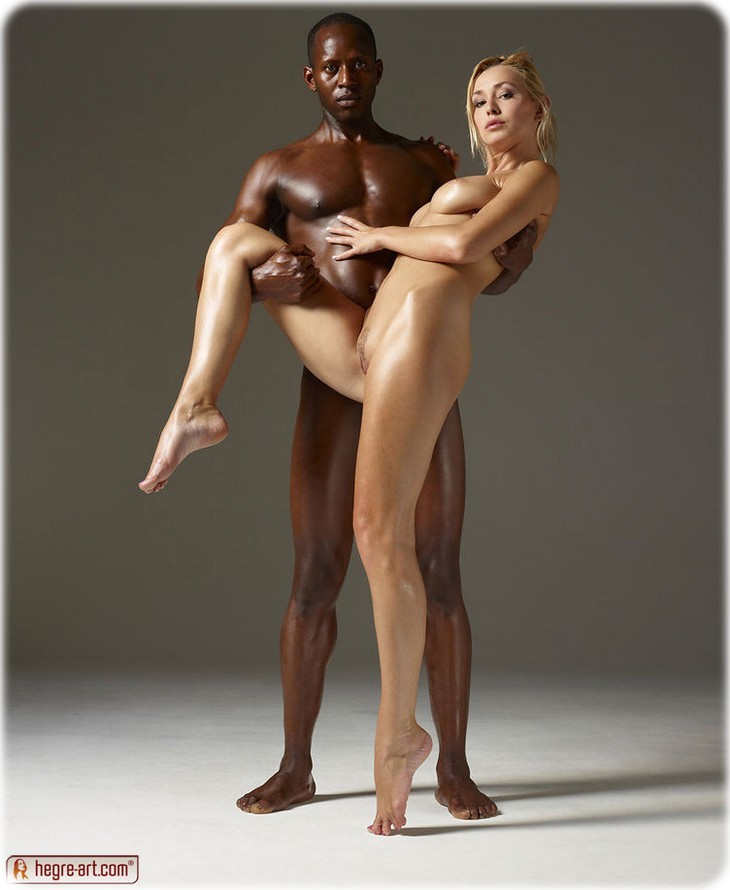 12 480 Sensual interracial pics
