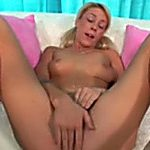 Naughty and sexy golden-haired gal loves eating strong black 10-Pounder on her knees